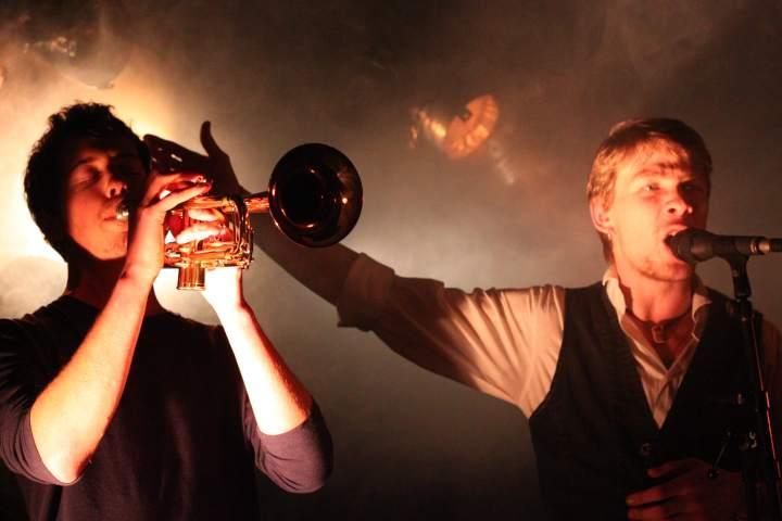 Robin et Maxime, le chanteur et le trompettiste de La Nekyia