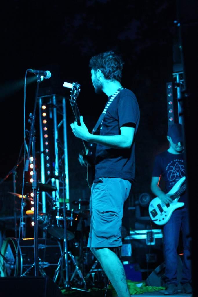gauthier à la guitare