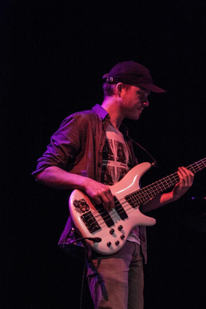 le bassiste de la nekyia